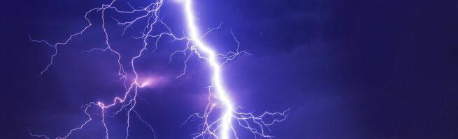 Elektrostatik entsteht durch einen Blitz
